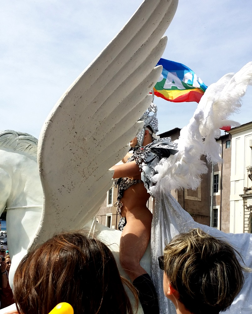 Rome Pride2017 白馬のクイーン2
