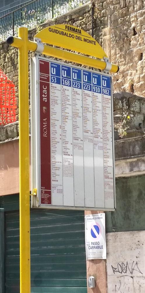 ローマのバス停