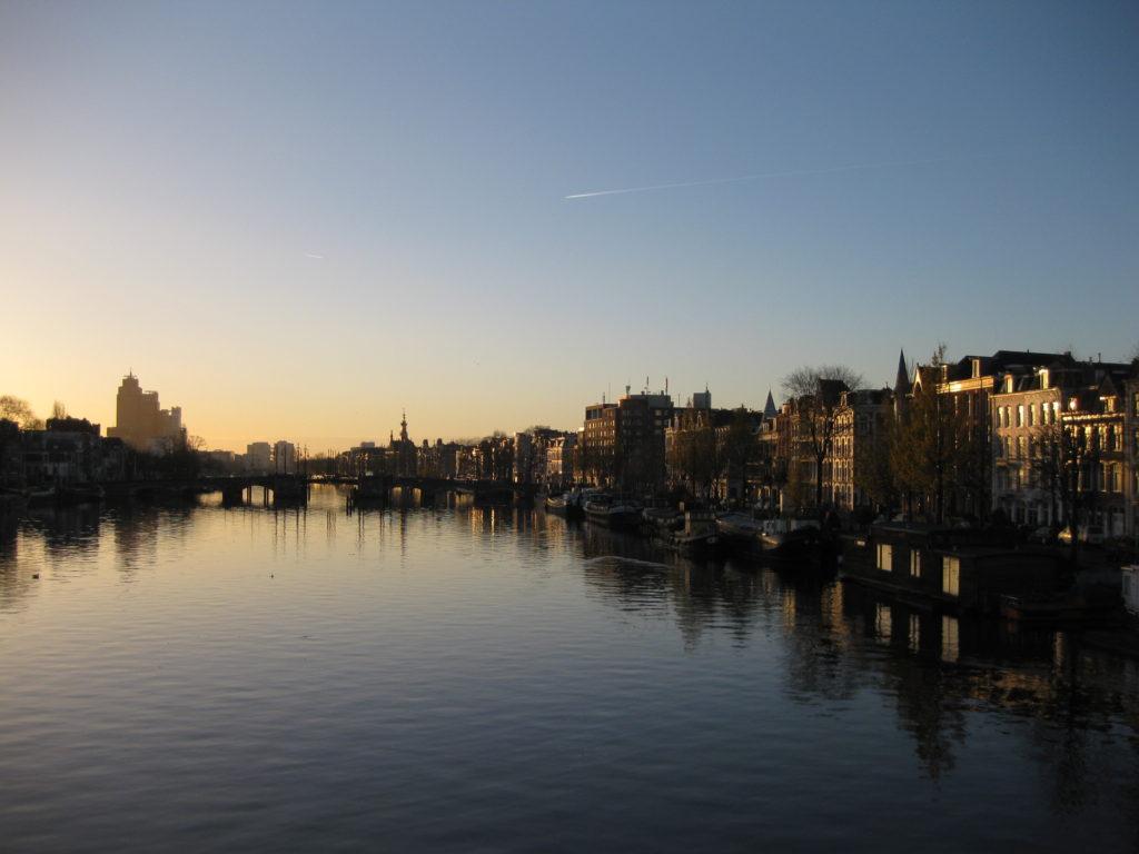 アムステルダムの朝日