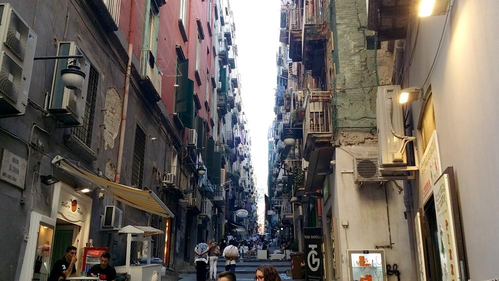 ナポリのスペイン地区