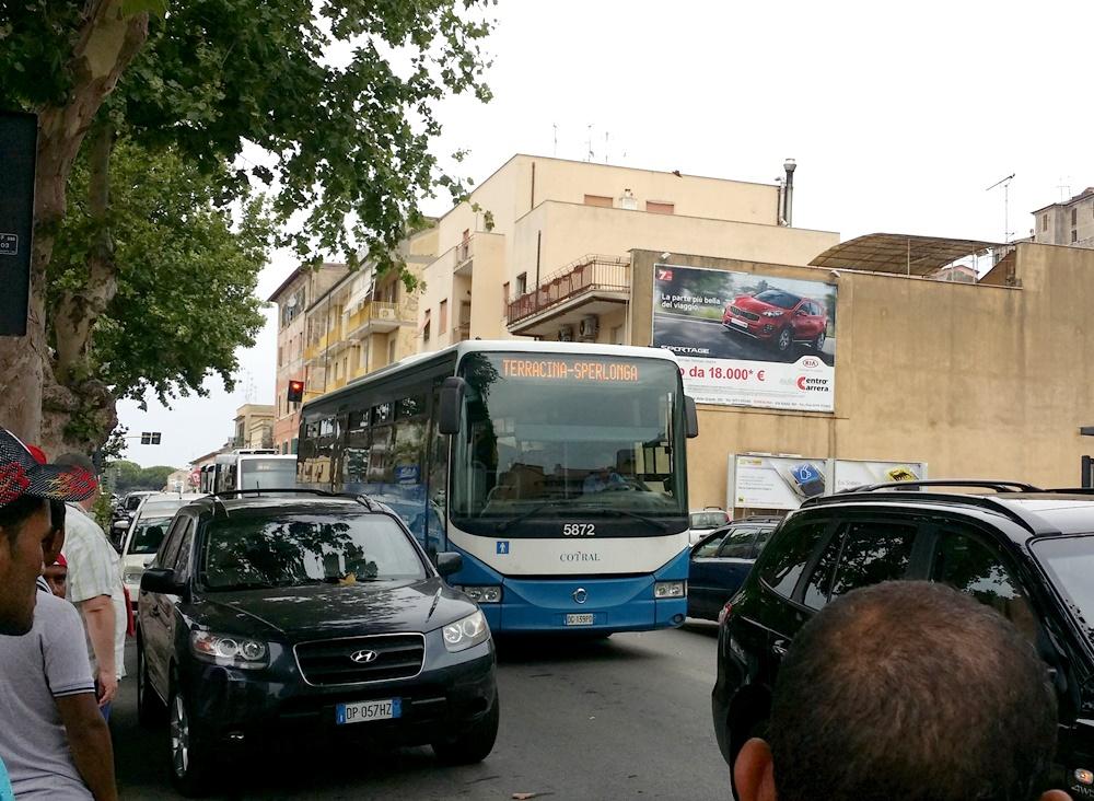 テッラチーナからスペルロンガ行きのバス