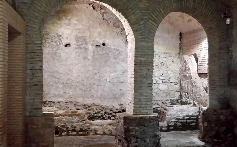 クリプタ・バルビの地下