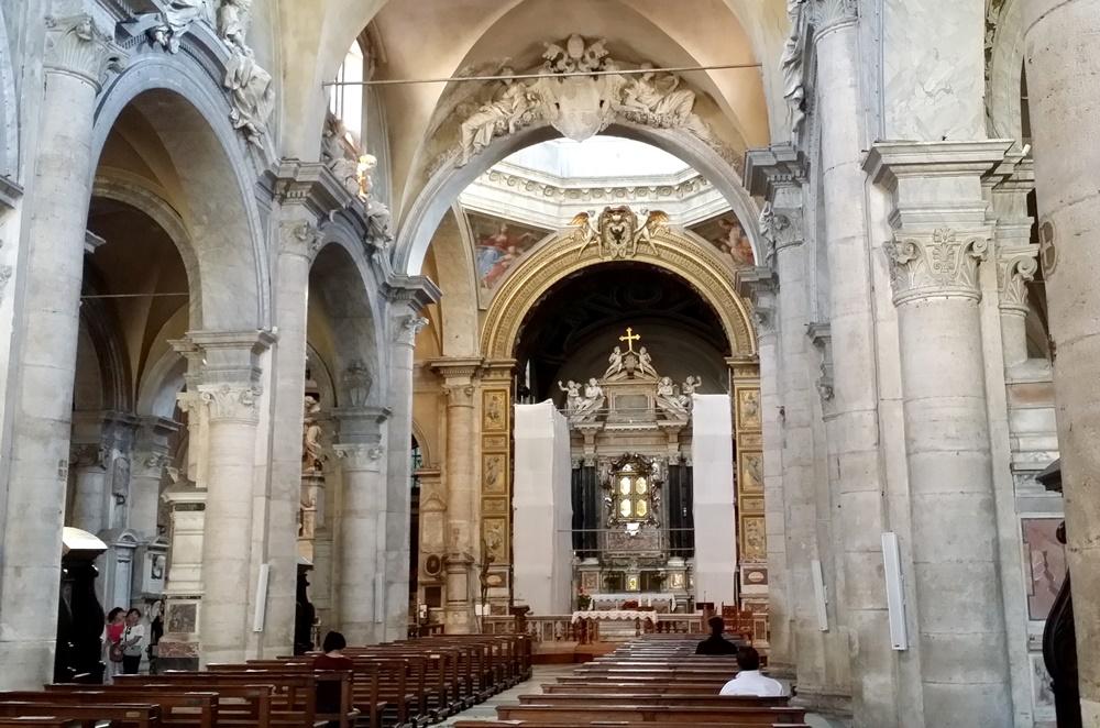 サンタ・マリア・デル・ポポロ教会内部