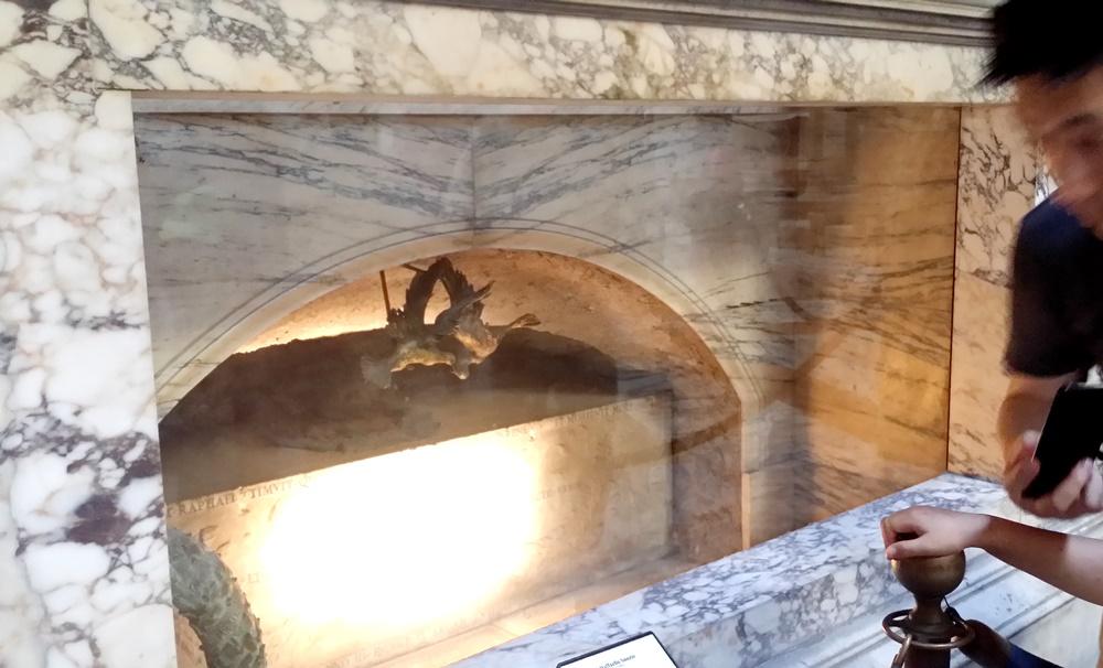 ラファエロの墓