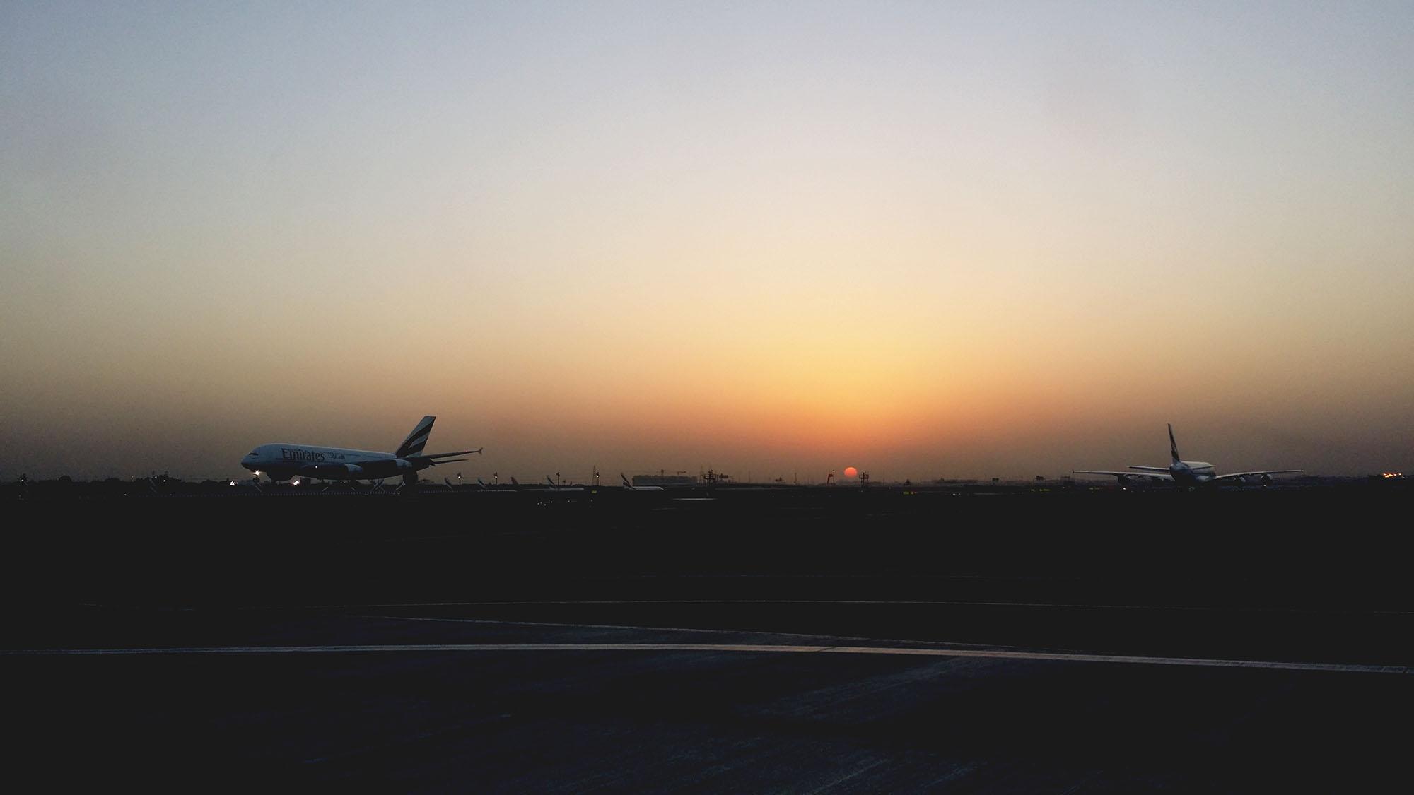 ドバイの朝日