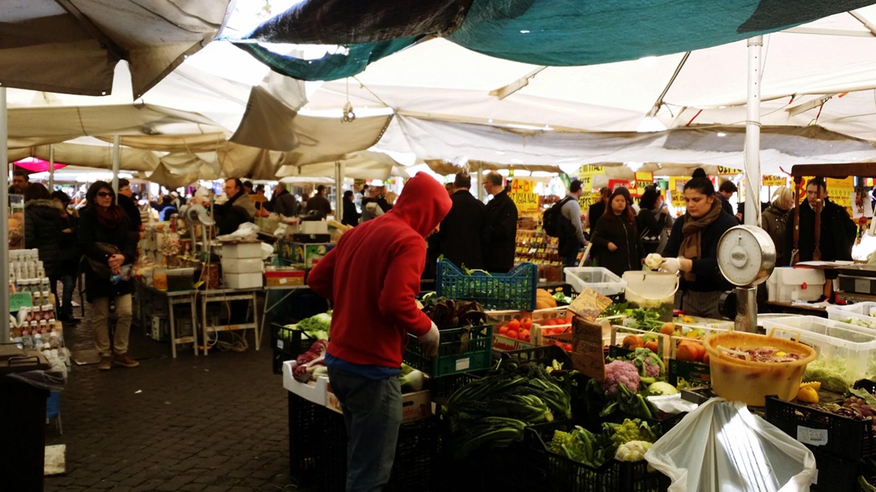 カンポ・デ・フィオーリ市場