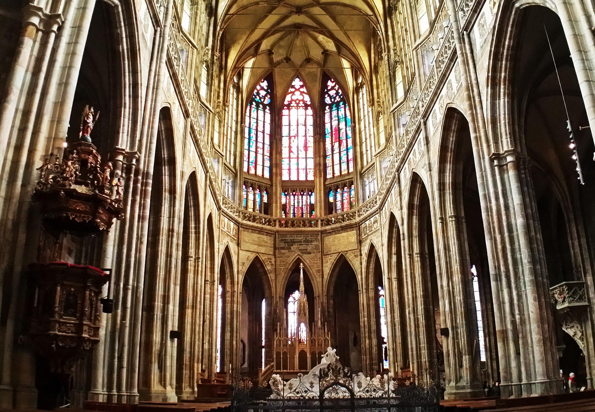 聖ヴィート大聖堂内観