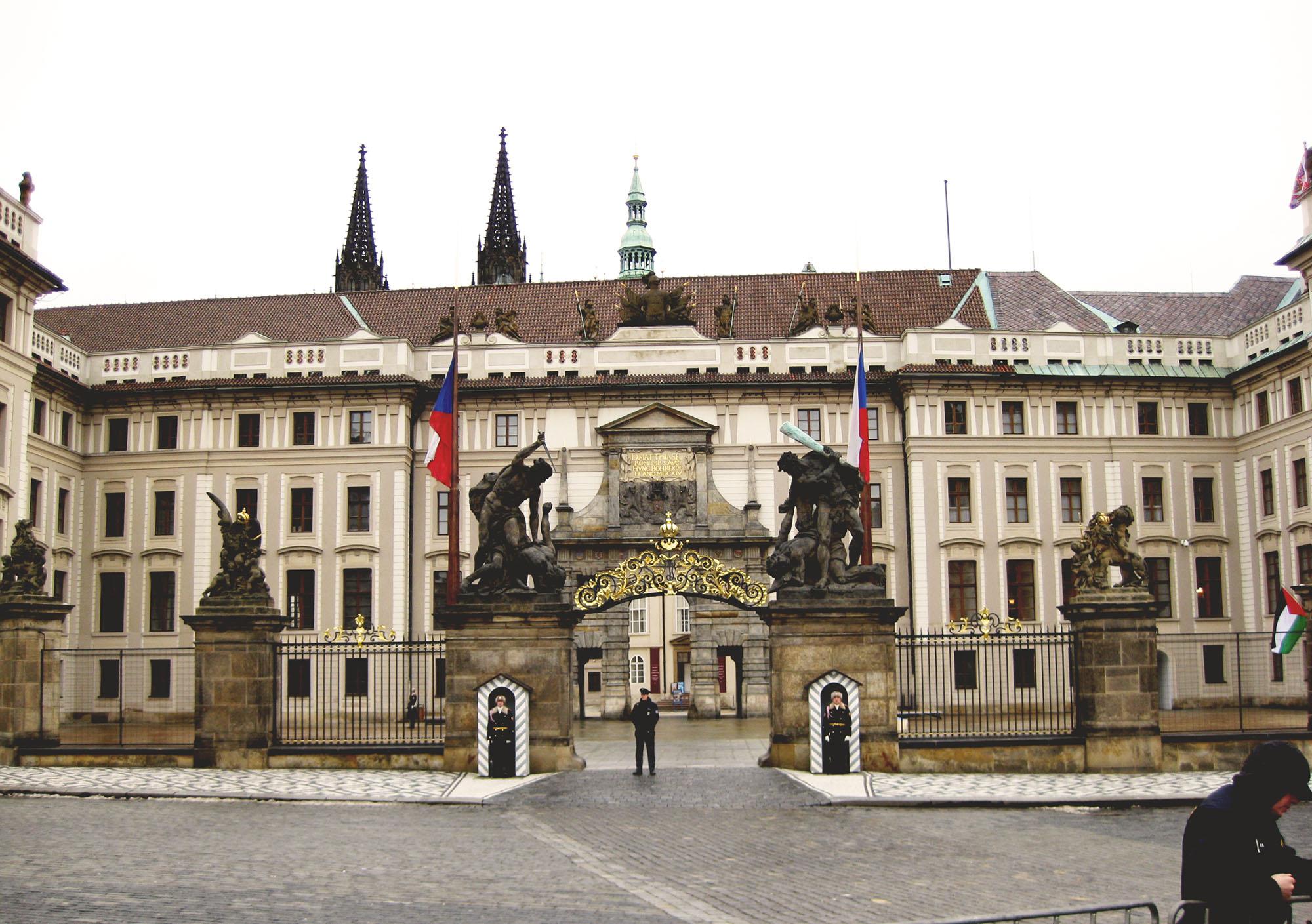 プラハ城入口マテアス門