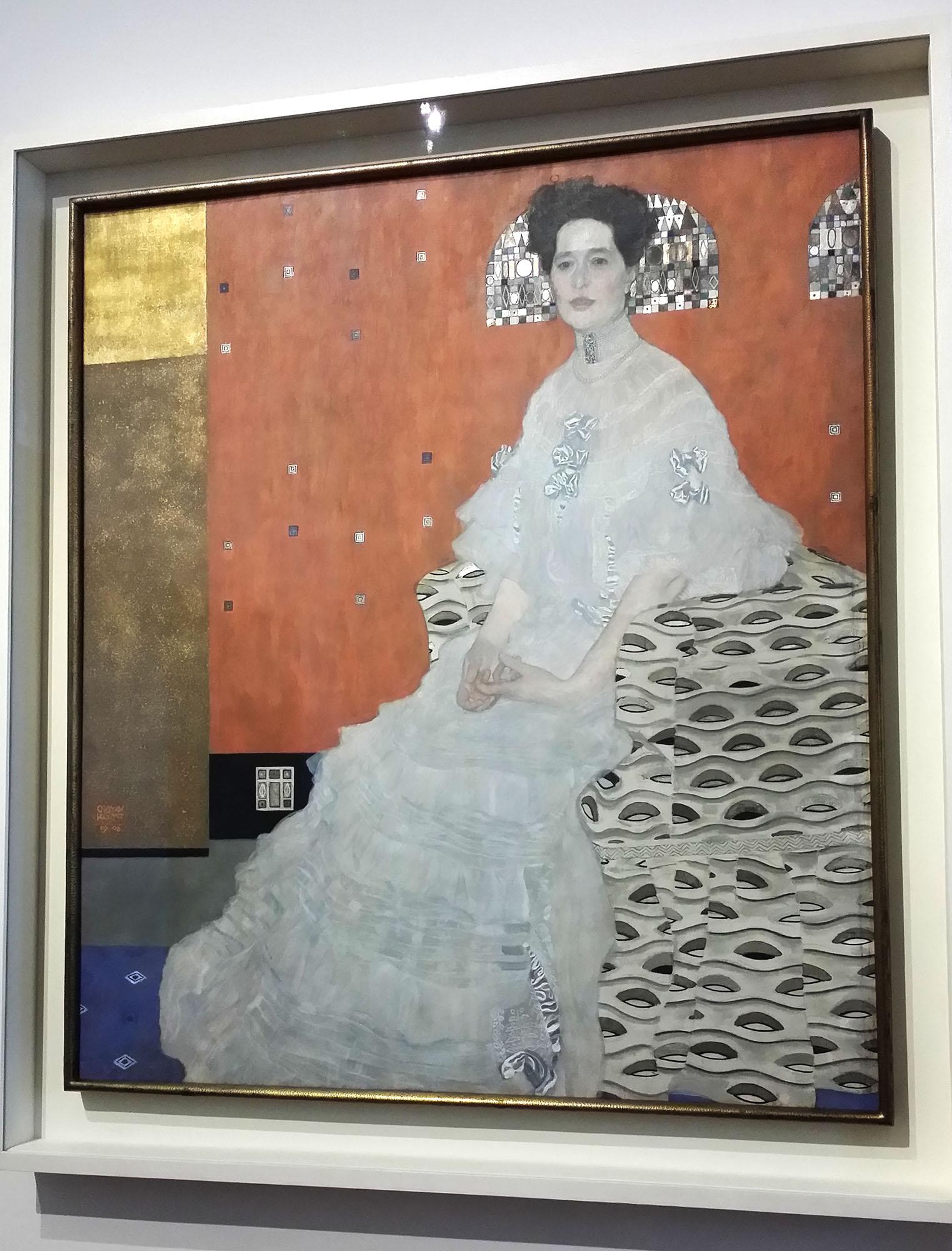 クリムト作「フリツァ・リードラーの肖像」