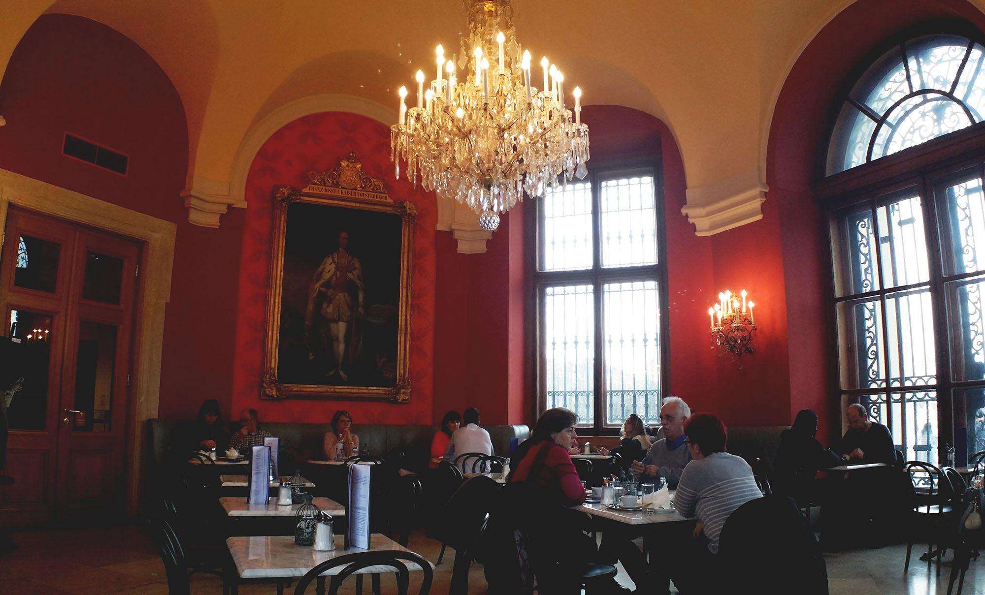 ベルヴェデーレ宮殿のカフェ
