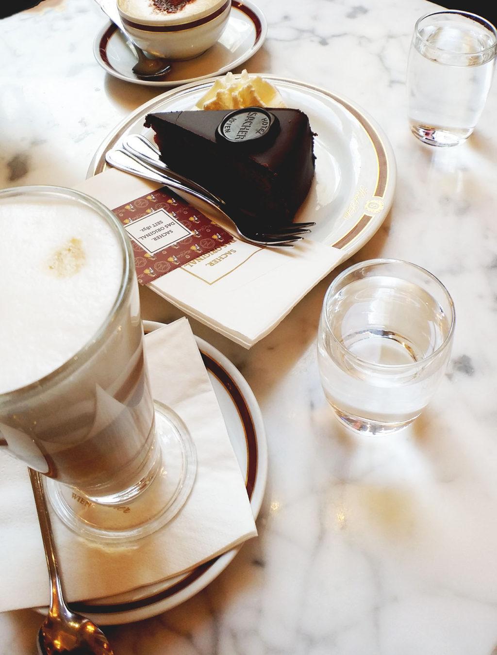 カフェ・ザッハのザッハトルテ